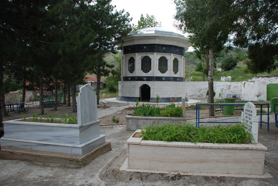 Haydar Sultan Camii ve Türbesi
